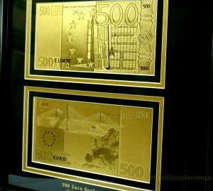 54956e3168519-500-euro-24-karat-arany-bankjegyek2-aranypenz
