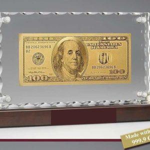 56d208d496698-100-dollar-24-kt-arany-bankjegykristaly-luxus-asztal-disz